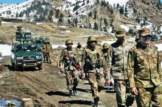 印媒:印度经济已陷入衰退 仍强行增加军费对抗中国