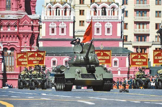 俄罗斯举办太多次阅兵 俄军舰偏航、撞桥却接连不断