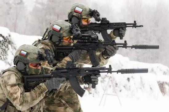 <b>西方步枪普遍装备消音器 为何中国95步枪很少使用</b>