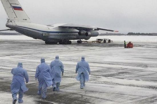 <b>俄方:俄军运输机明日将继续向中国运送救援物资</b>