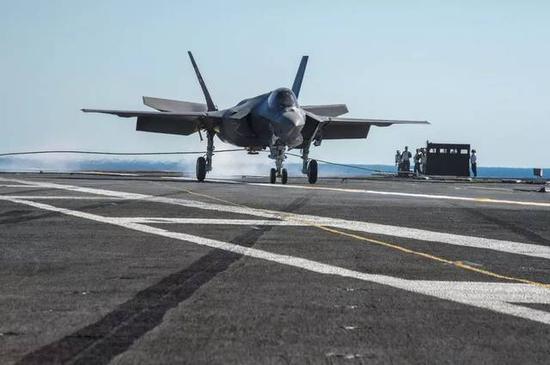 美媒:美航母为对付中俄防空网将换装第六代舰载机