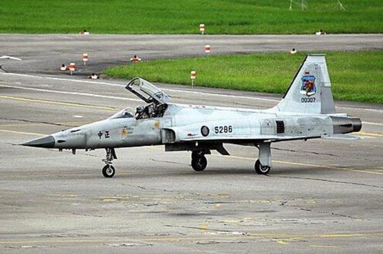 台军草草复飞双座型F-5F战机 失踪飞行员仍生死未卜