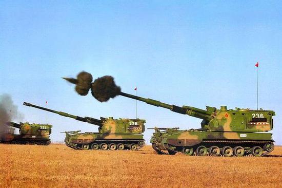PLZ-05自行榴弹炮。