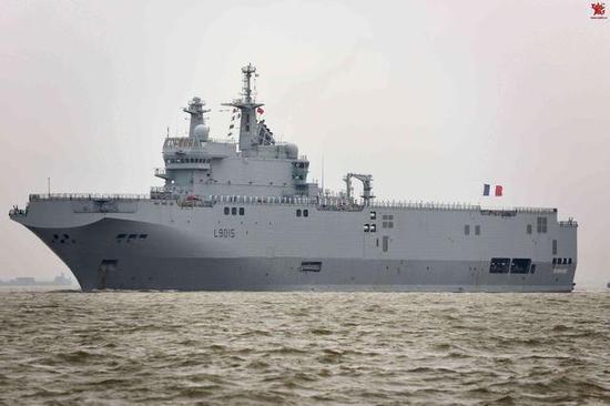 西北风级两栖攻击舰