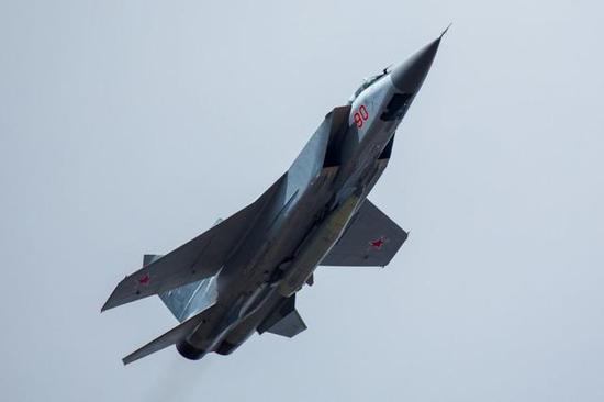 俄内外交困普京还自削军费 最后底气源自这几款武器