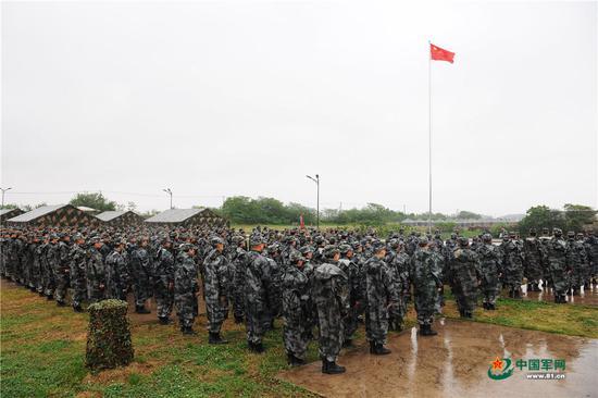 英媒称中国军队着手整治体重超标 超标官兵不能升迁