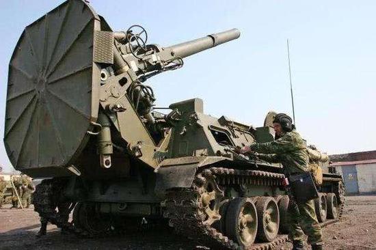 前苏联这款世界最大迫击炮仍在役 一炮炸平一栋楼