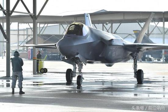 新加坡计划换装新型战机 为何暂停F35订单提及我歼20