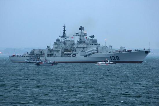 图片:遥想13年前!2005年12月,泰州舰在圣彼得堡起航归建