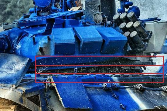 坦克大赛哈萨克斯坦队疯狂飙车 炮塔都脱离车体(图)