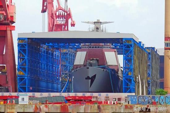 正在建造的中国军舰