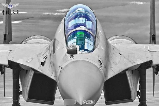 """中国首款""""万能战机""""形成战斗力 意义堪比歼20服役"""