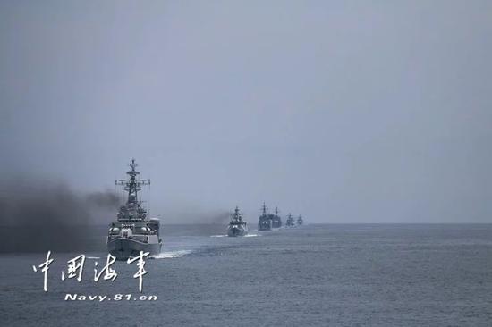 港媒:中国大陆对美台发出强硬警告 要以行动说话