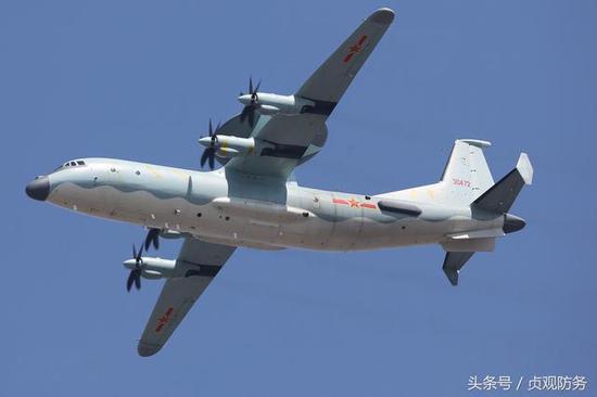 新型飞机囹�a_△我国的新型预警机都是清一色的三面阵,图为空警-500