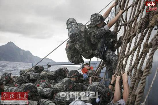 韩军改革裁军11.8万人 要花2500亿美