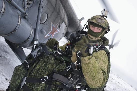 原料图:俄军空降兵
