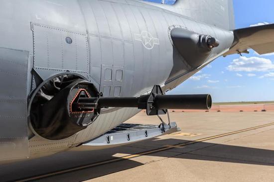 挑战黑人巨炮_图片:ac130上的105mm巨炮
