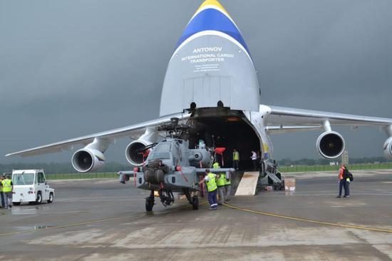<b>印度购美第二批阿帕奇直升机到货 将部署印巴边境</b>