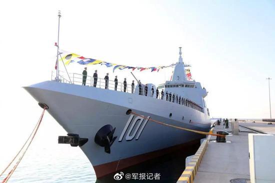 张召忠:中国055大驱颜值高吨位大 想低调都不行