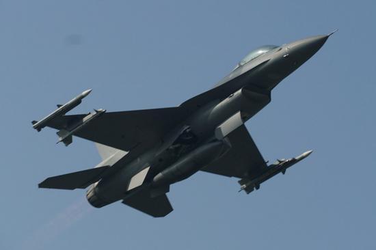 台军F16V首次执行战备任务 还曝光一款新导弹(图)