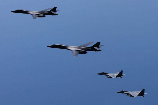 前所未见!美军两架鱼鹰运输机闯入日本自卫队基地