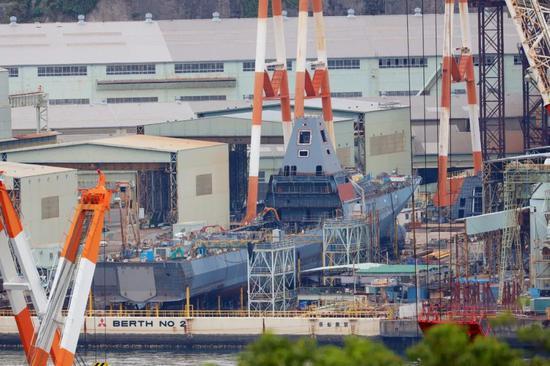 日本最新科幻战舰将下水 综合桅杆外形酷似055(图)