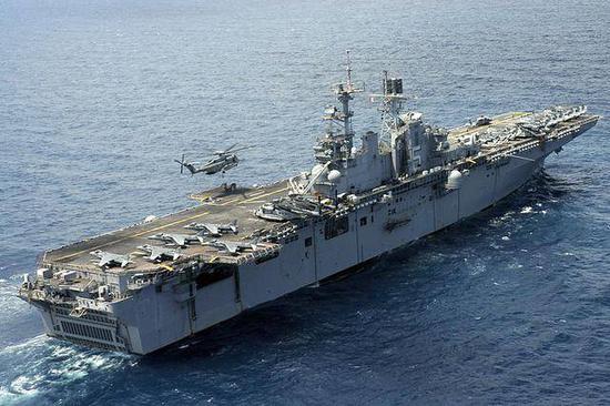敏感时刻美国海军两栖大队进入南海 或与航母汇合