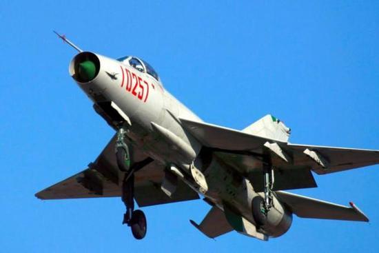 假如当年中国不引进苏27生产线 沈飞将如何魔改歼8II
