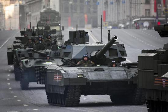 俄军因缺钱将升级6000辆老坦克 或用于武装叙利亚湖南电大在线