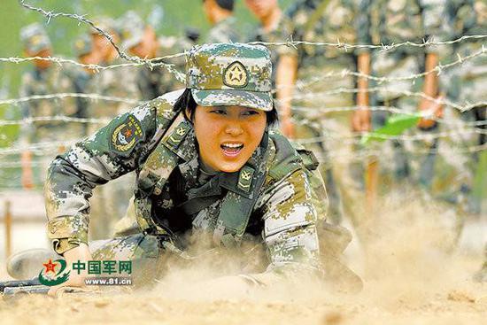 焦裕禄孙女被选调入解放军驻港部队 任仪仗排长(图)
