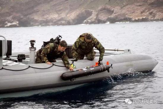 """美海军研发无人机""""母舰"""" 构建无人系统未来部队"""