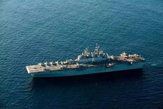 F-35搭载两栖攻击舰逼近中国