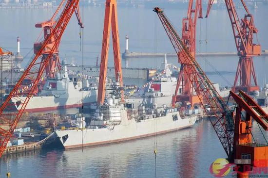 港媒:中国又下水2艘神盾舰 美却在削减军舰数量
