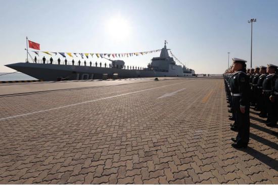 """两岸海军迎来了不同新时代 台军新""""总长""""誓造潜艇"""