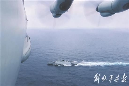 桨叶飞旋 一场搜攻潜演练在某海域上空打响