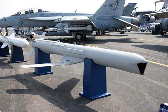 中国巡航导弹执行精度打击 为何选择从大楼窗户进入