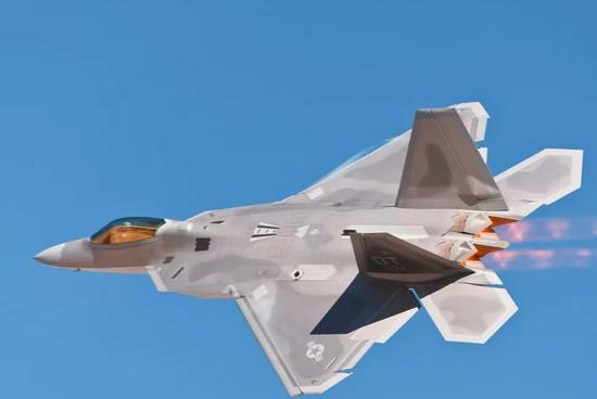 成飞三角翼高速无人机面世 全长超20米和歼20类似