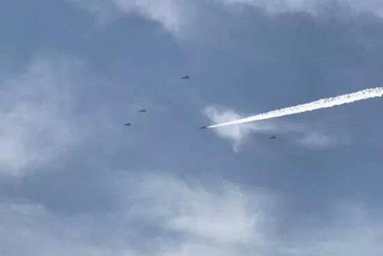 我军首个歼20作战旅正式成军 共32架战机有两大优势
