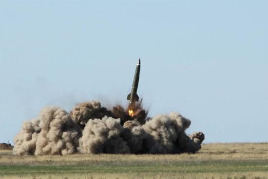 俄军为啥也要搞弹道导弹打航母 美军舰已逼近家门口