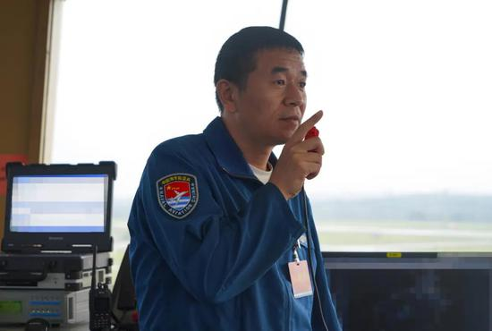 海军空潜200南海反潜演习 搜潜攻潜一体化性能强大