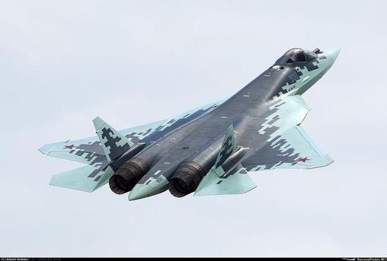 俄苏57与中美五代机有多大差距 就像内马尔与梅西C罗
