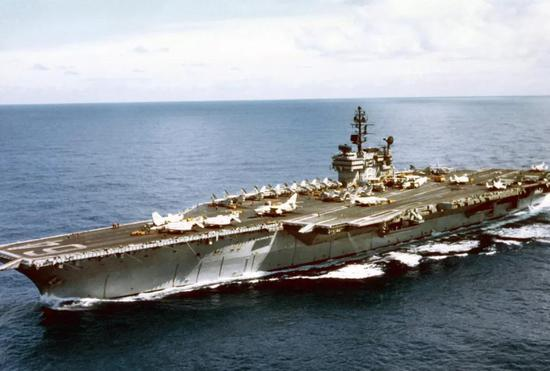 张召忠:戴高乐航母不如辽宁舰 是个非常失败的工程