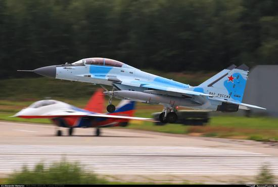 俄军推销最新米格35 雷达罩细节藏着歼20隐形的秘密