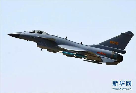 美媒:中国歼10改进型能力强悍 已成美空军强大威胁