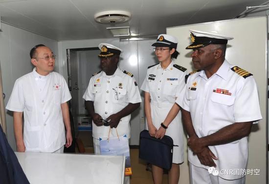 中国和平方舟医院船到访南太岛国 受到当地隆重欢迎xxooyy7图片