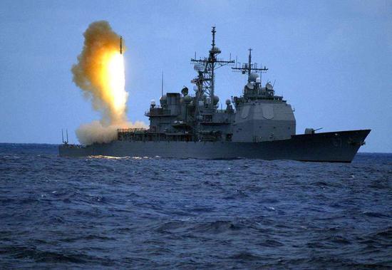 美军机连续3天抵近台海后 一艘美舰15日再过台湾海峡