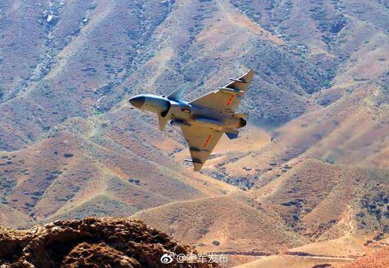 进行特殊地形攻击训练的歼-10C