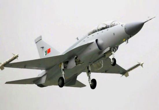 中国最新双座战机要交付这国 印度急了花大钱找对策