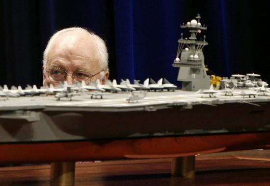 美军最贵航母迟迟无法作战部署 仍被舰载机困扰