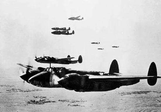 一江山登陆作战中的空中支援。